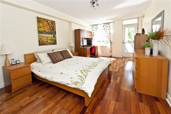 Why Installing Hardwood Flooring is a Better Deal than Carpet