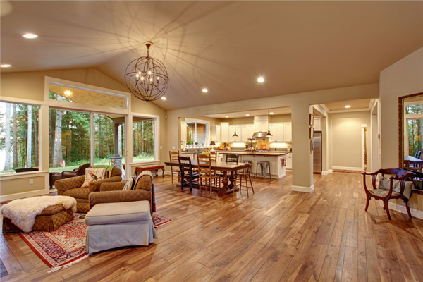 Creating a New Look with Hardwood Floor